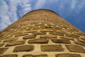 معماری ایرانی برج سه گنبد ارومیه